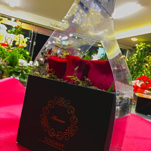 Κουτί με τριαντάφυλλα
